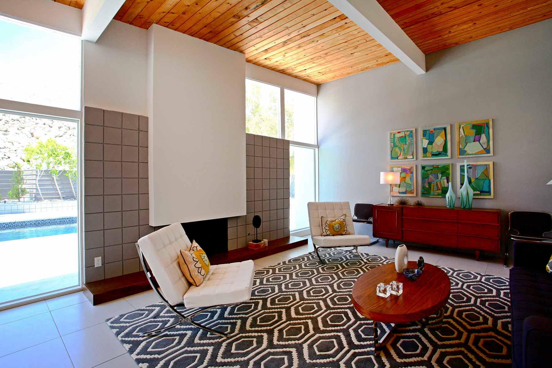 909 N Rose Living Room