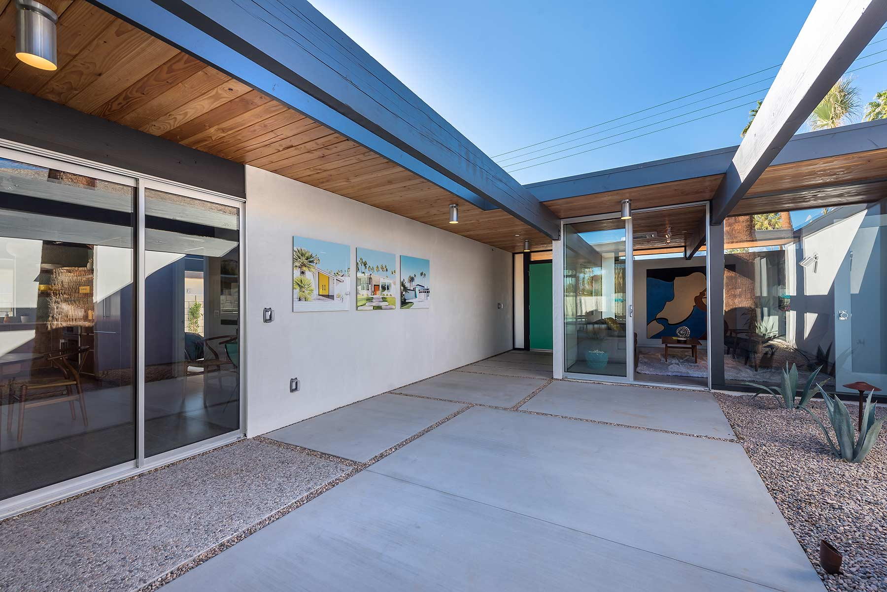 The Desert Eichler 3 atrium