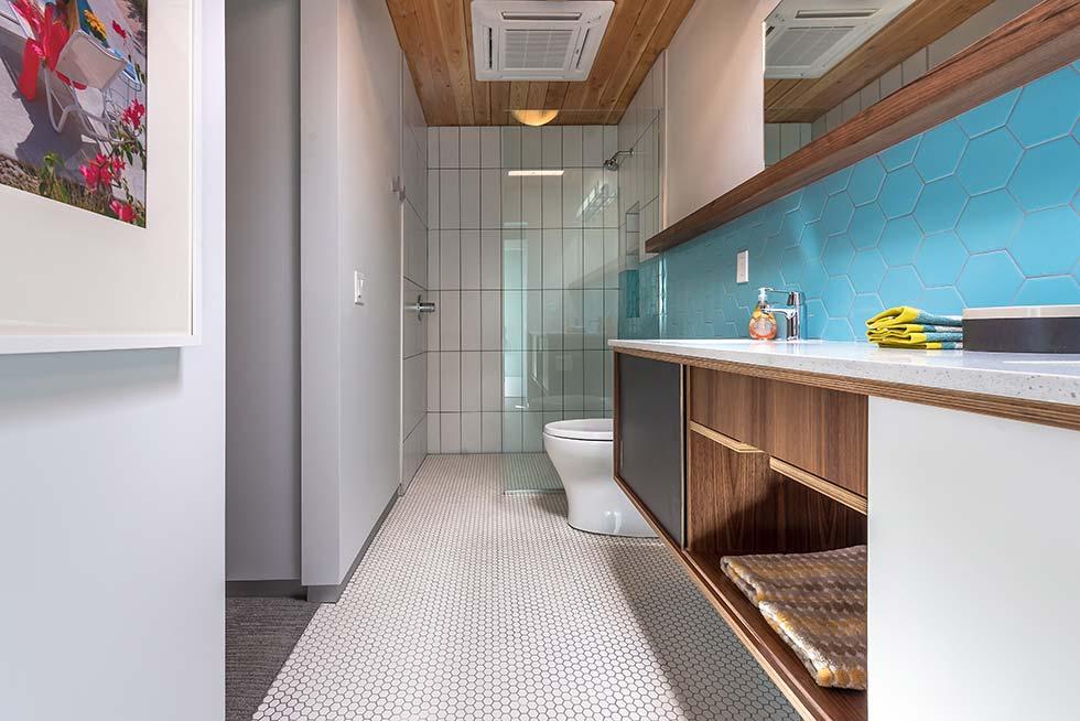 The Desert Eichler 3 bathroom