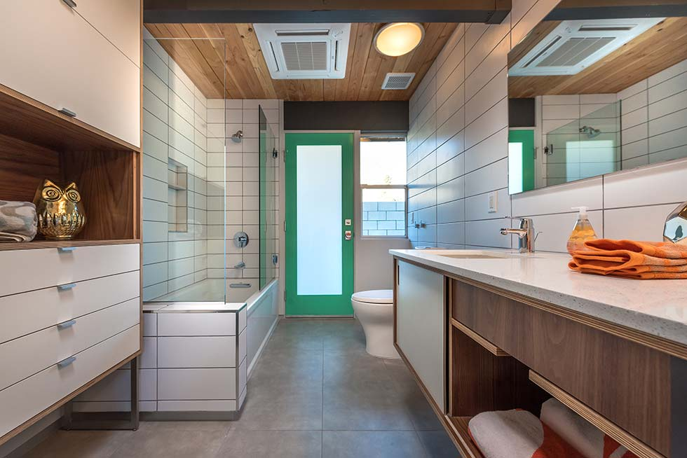 The Desert Eichler 3 bathroom